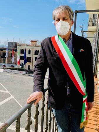 Bandiere a mezz'asta e minuto di silenzio per le 31 persone uccise dal Covid a Grottaferrata